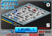 Tank-game-in-a-maze